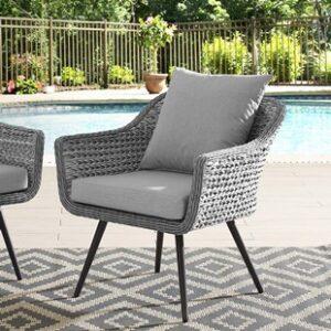 Posedenie v záhrade na terase, záhradny ratanový nábytok